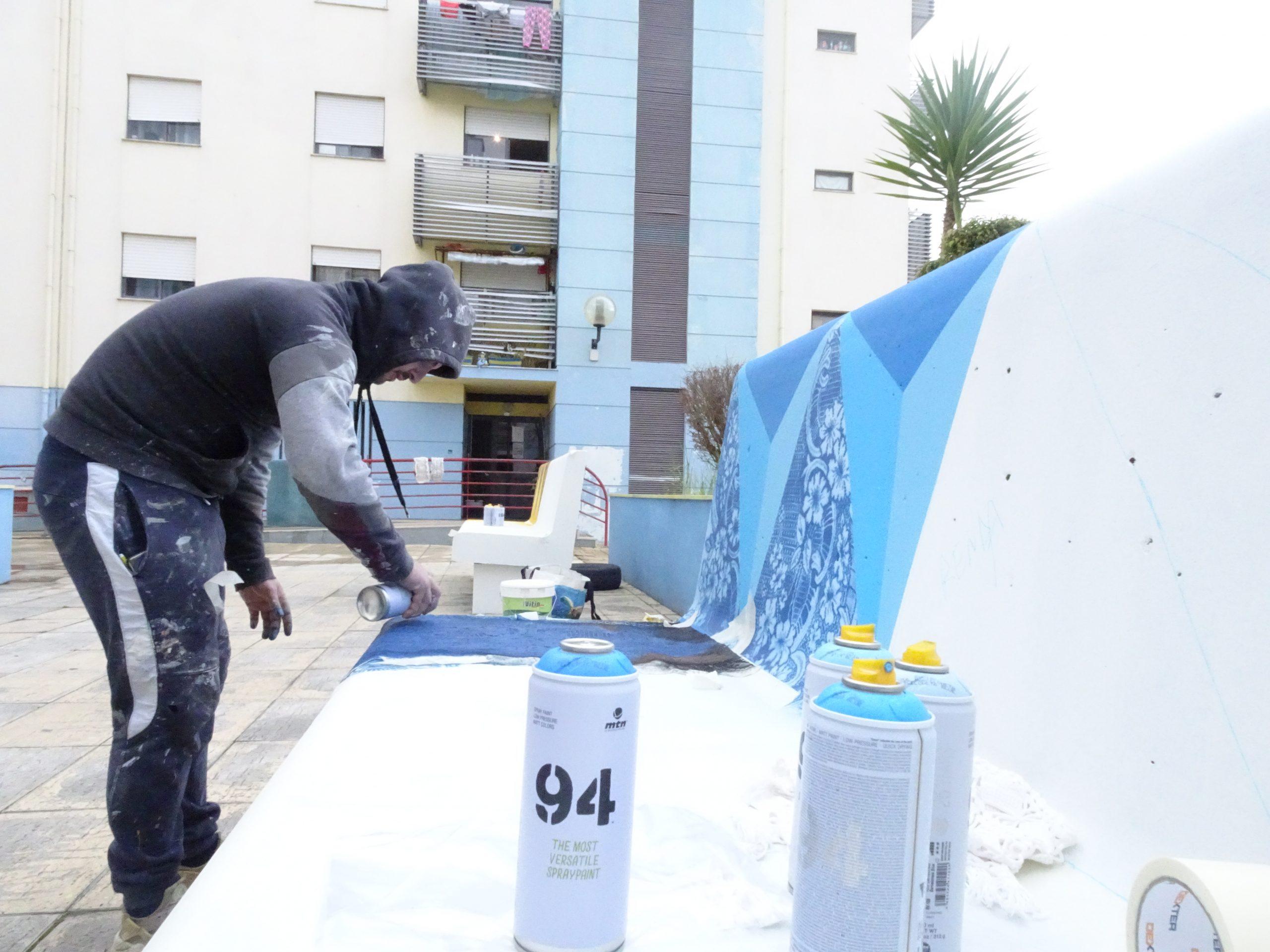 Transformámos bancos de rua em obras de arte!